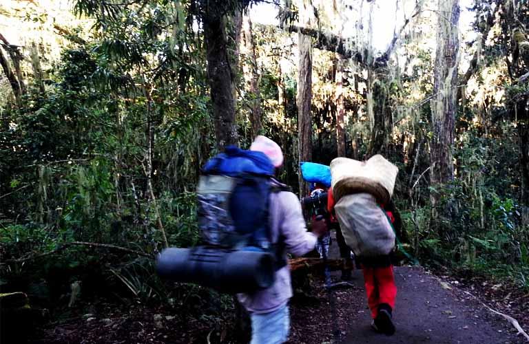 Trinkgeld Kilimandscharo burning-feet-com