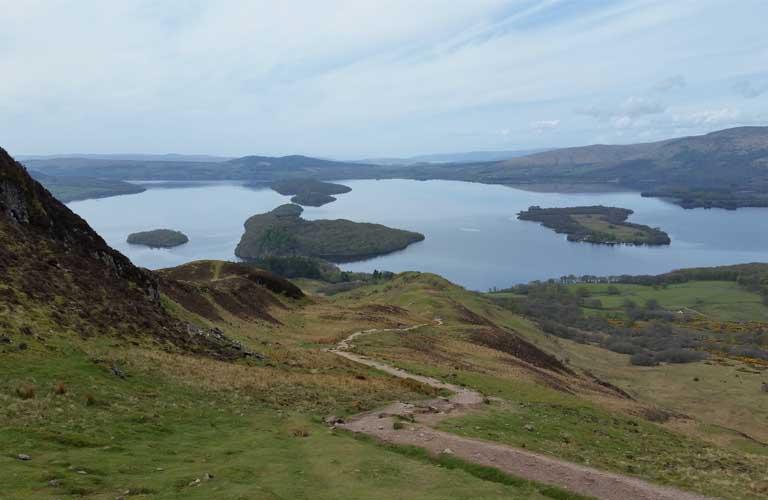 West Highland Way Loch Lomond Blick vom Conic Hill