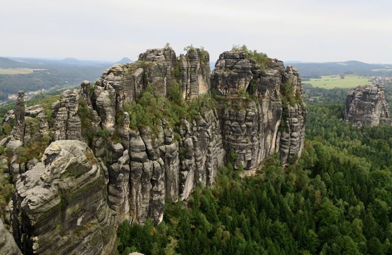 Schrammsteine Aussichtspunkt Malerweg Zelten Sächsische Schweiz Trekking Deutschland
