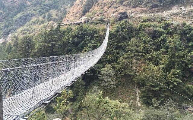 Tatopani Hängebrücke Nepal