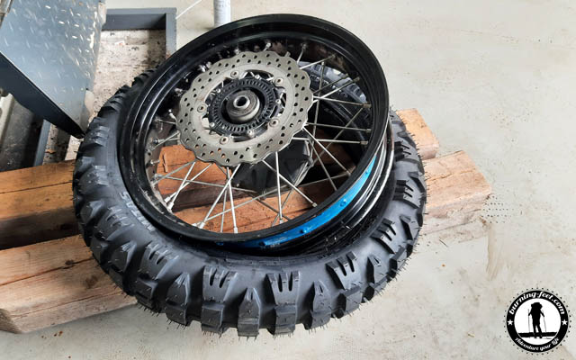 Reifenwechsel Mitas E09 Dakar